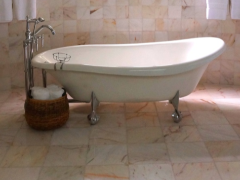 Handyman-Services-YardDoc-Cedar-Park-TX-Ceramic-Tile-in-Bathroom