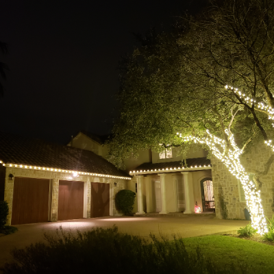 Handyman - YardDoc - Austin, TX - Holiday Lighting